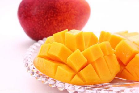 【台湾フルーツ】台湾のマンゴーとドラゴンフルーツの超簡単な食べ方